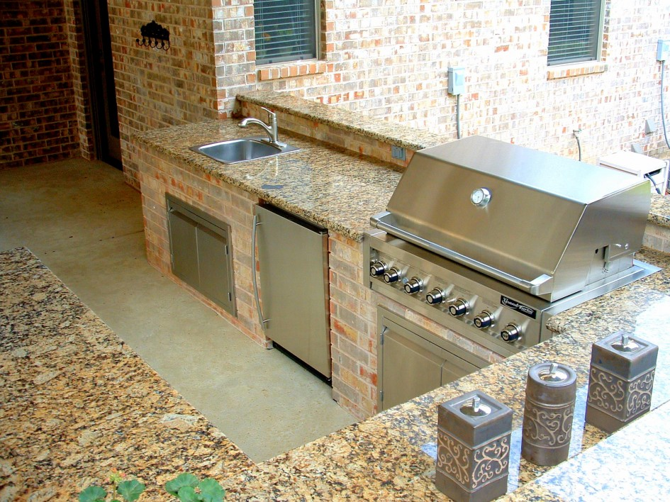 Granite Outdoor Kitchen - Micka Cabinets